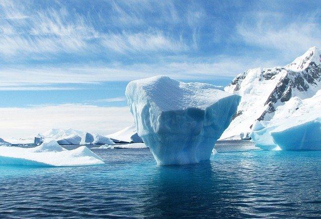 A Massive $847 Billion Stock Market Iceberg Dead Ahead
